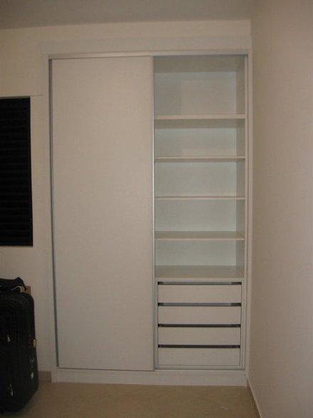 vende se um armario para quarto de crianca com varias  Vazlon Brasil