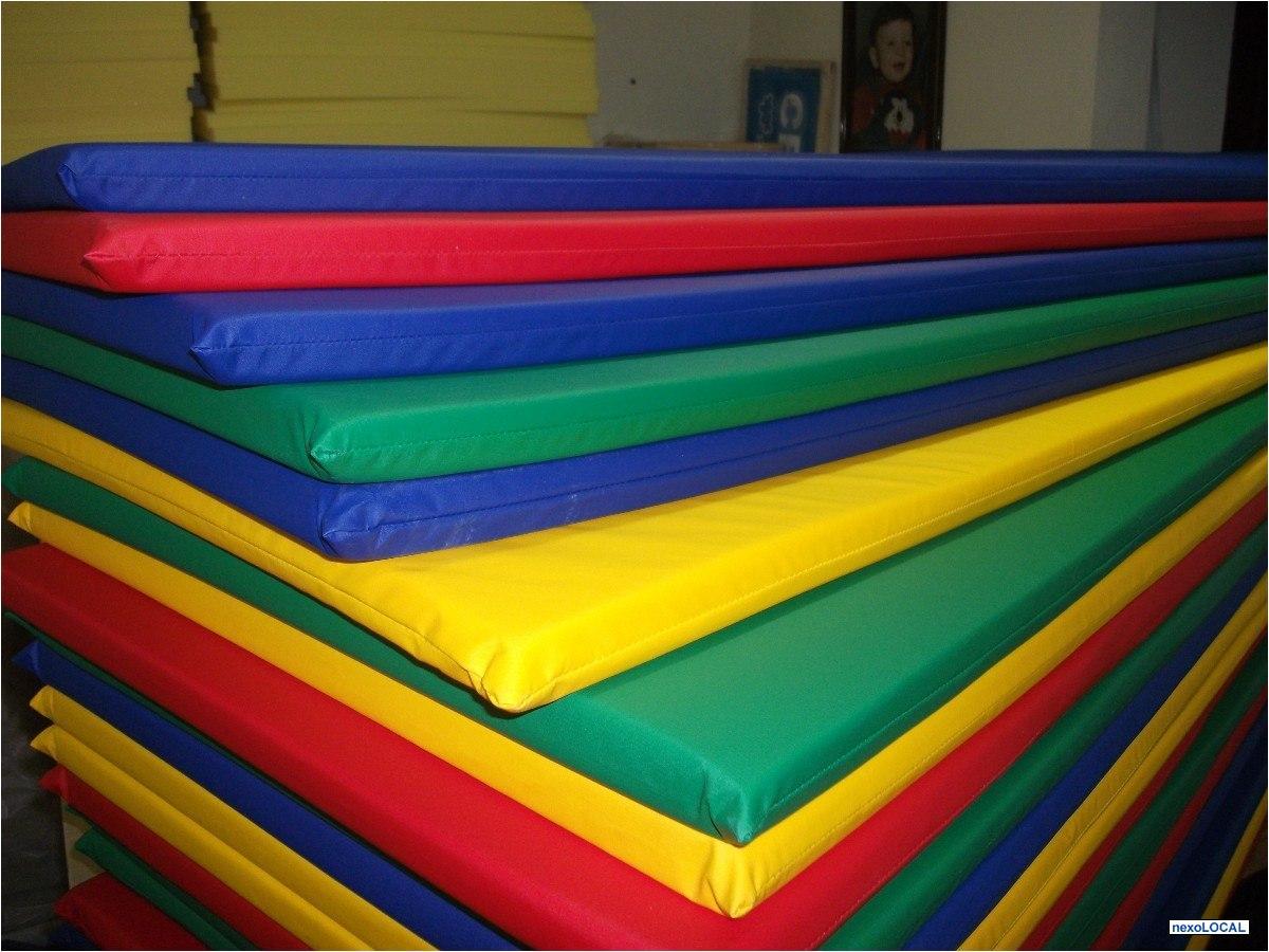 piso pvc emborrachado para bercarios creches playground Vazlon  #C1A30A 1200 900