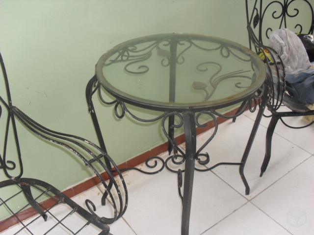 mesa jardim curitiba:jogo de cadeiras de varanda de ferro com mesinha redonda