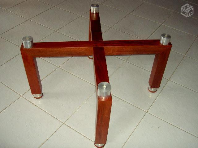 Mesa de centro base em madeira com tampo de vidro vazlon for Bases para mesas de centro
