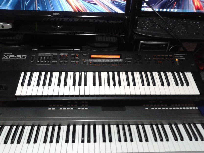 Troco teclado roland e por korg i3 exr7s roland vazlon for Korg yamaha roland