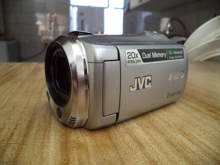 Filmadora Digital Full HD JVC Everio GZ-HM (Show) + Case