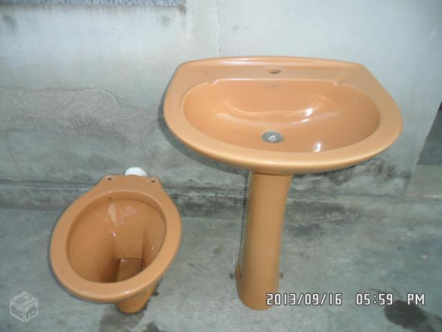 vende se uma mesa e um vaso  Vazlon Brasil -> Jogo De Banheiro Pia E Vaso Sanitario