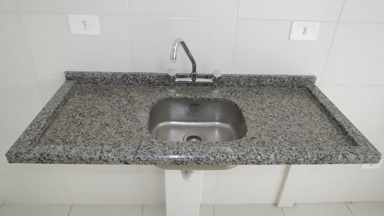 cuba de banheiro com granito e torneiras quente e frio  Vazlon Brasil -> Tampo E Cuba Para Banheiro