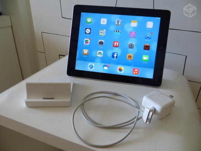 Ipad GB Wi-Fi + Smart Cover + IPad Dock