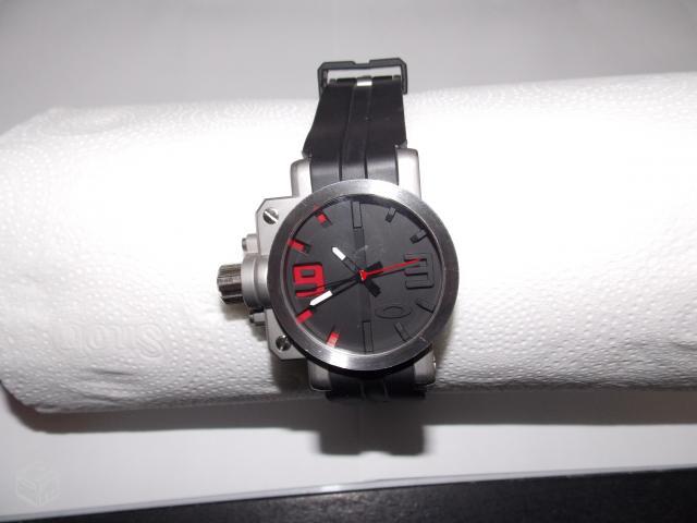 fc2c62c23c0 Relógio Oakley Holeshot Chrono