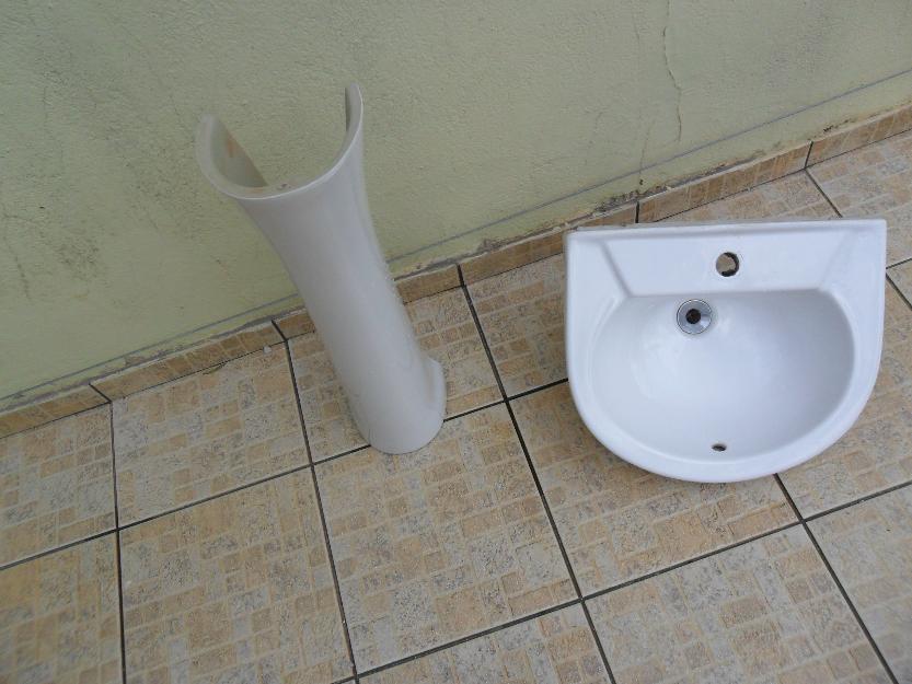 pia de banheiro com pe celite nunca usada  Vazlon Brasil -> Cuba Para Banheiro Celite