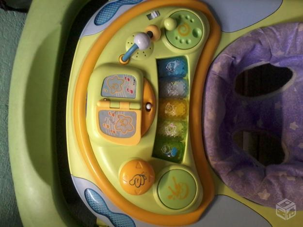 Andador Musical Baby Yellow Music Chicco