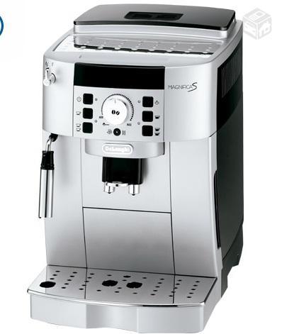 Maquina de cafe delonghi magnifica s