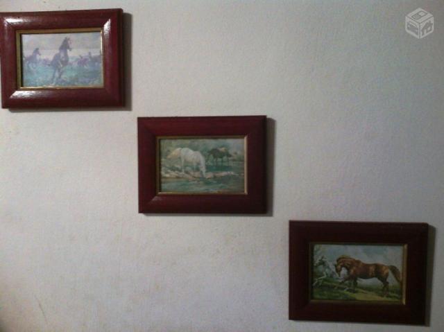 Conjunto de quadros pequenos