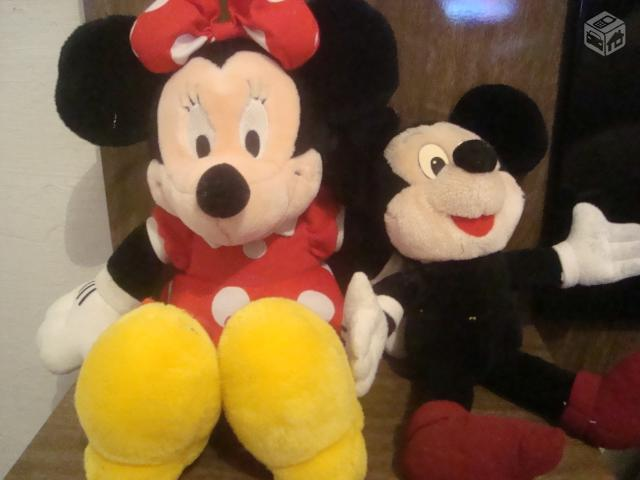 Mickey e Minnie de pelucia