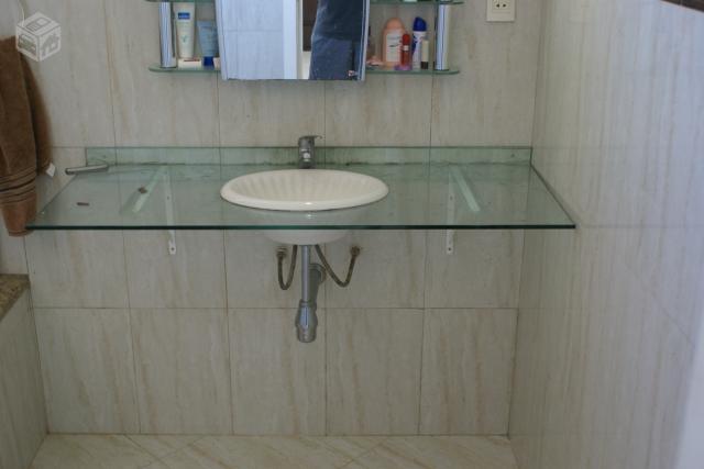 cuba de banheiro com granito e torneiras quente e frio  Vazlon Brasil -> Pia De Banheiro Plastica