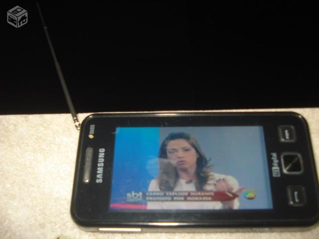 Celular Samsung GT-I, TV digital, dois chips