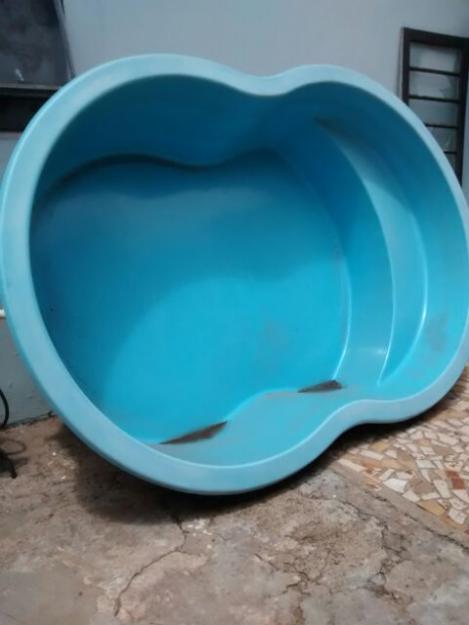 Piscina 3mil litros vazlon brasil for Piscina de fibra usada