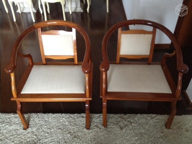Base e cadeiras e jogo de sofa de canto marca etna - Mesas decorativas ...
