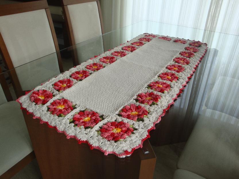 Capas para garrafao de croche e caminhos de mesa lindos - Tapetes para mesa ...