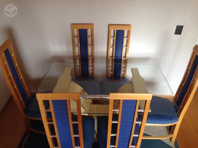 Mesa e cadeiras de jantar e um tapete ofertas vazlon for Tapete mesa