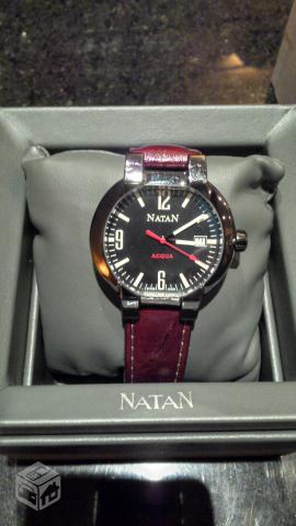 016b2d43872 relogio natan quartz caixa em aco pulseira couro   OFERTAS ...