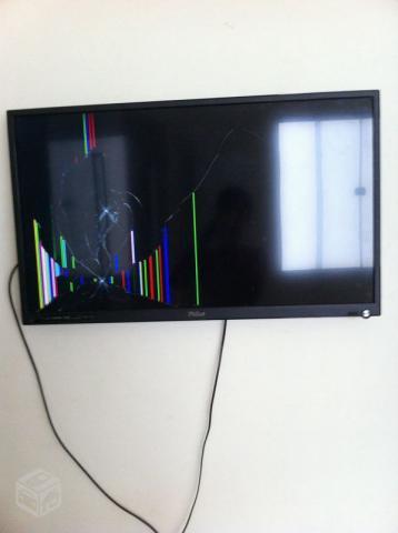 b19f6bbf6 tv led philco smart tv tela trincada r   OFERTAS