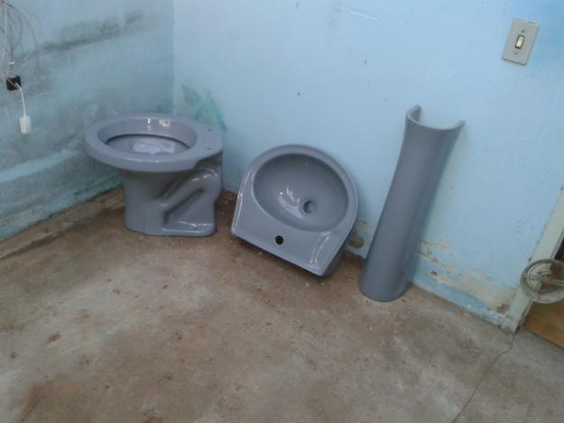 Jogo De Banheiro Completo : Kit banheiro completo na cor cinza vazlon brasil