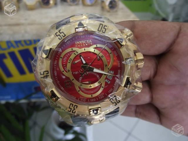 98a84244073 invicta excursion dourado com o fundo vermelho   OFERTAS