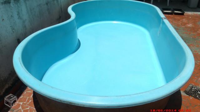 Piscina de fibra modelo feijao ofertas vazlon brasil for Vendo piscina de fibra