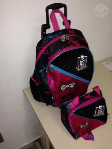 Mochilas monster