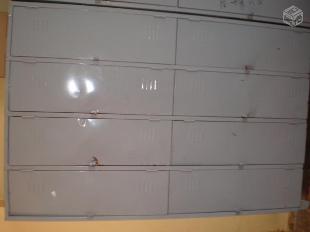 Armario de vestiario 8 portas r for Armario vestiario 8 portas