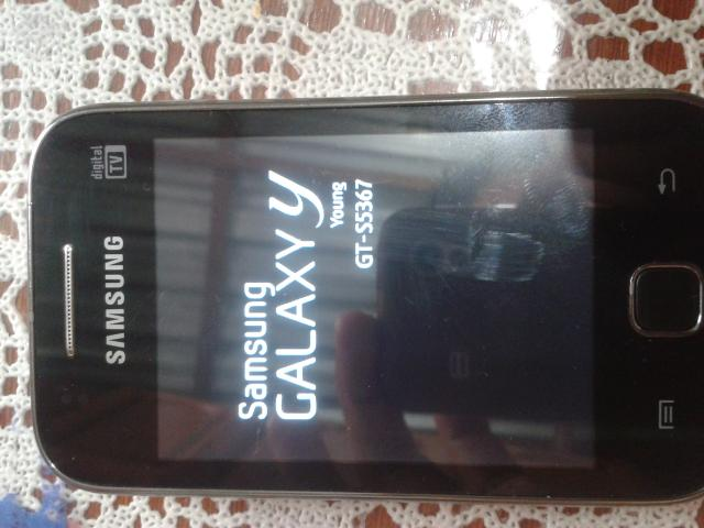 Samsung galaxy young - R$