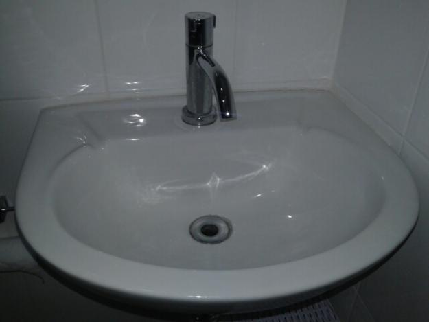 pia para lavatório Celite com torneira docol -> Pia Para Banheiro Celite