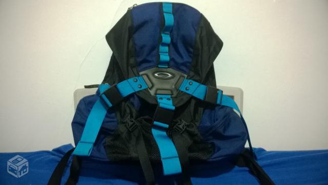 103c421ee Mochila Da Oakley Icon Backpack 3.0 | Louisiana Bucket Brigade