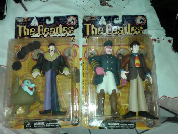 Bonecos Originais the Beatles yellow submarine