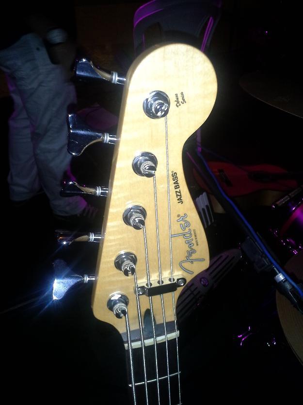 Circuito Ativo Fender Jazz Bass : Baixo rocket active bass cordas dolphin branco vazlon