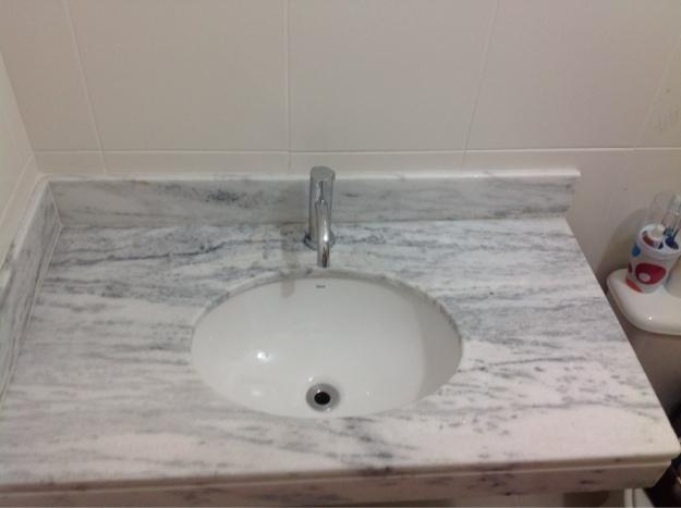 vende se pias de banheiro em marmore com torneira da deca  Vazlon Brasil -> Torneira Plastica Para Pia De Banheiro