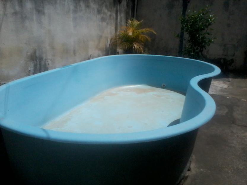 Piscina feijao fibra x para criancas vazlon brasil for Piscina de fibra usada