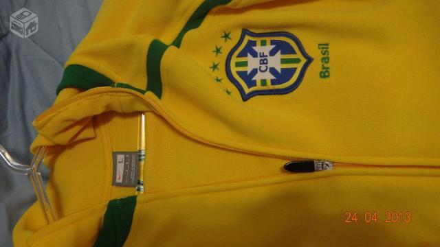 Jaqueta Seleção Brasileira Nike Importada Amarela - R  0b80bbe0f4dc4