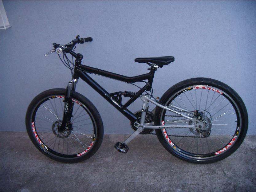 Bicicleta caloi Montainbike full suspension