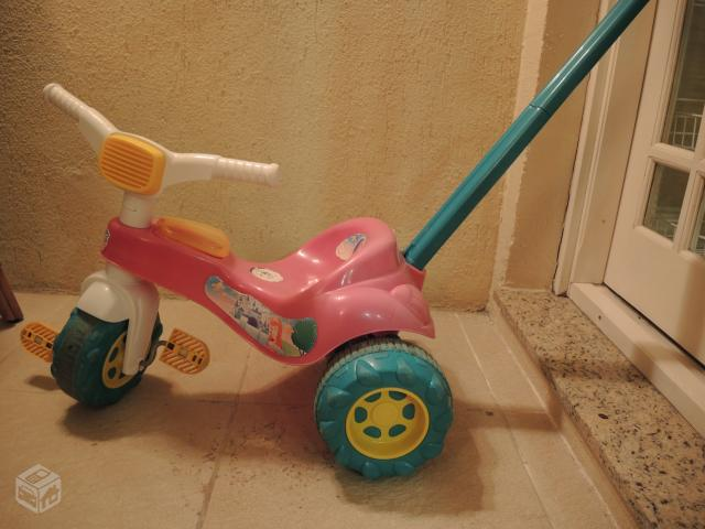 Triciclo magic toys - R$