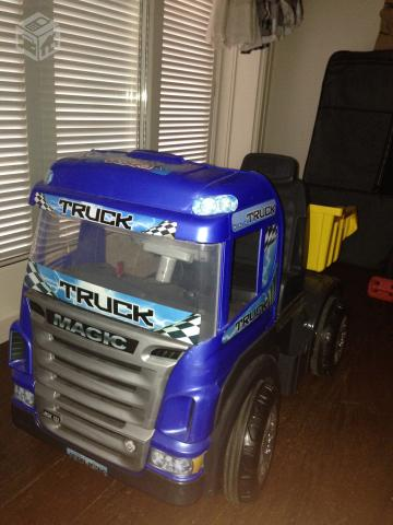 Caminhão Truck Magic Toys - R$