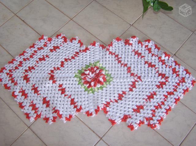 Manta de sofa tapete caminho de mesa croche em barbante - Tapetes para mesa ...