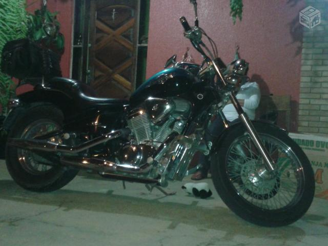 Honda Shadow cc  - R$
