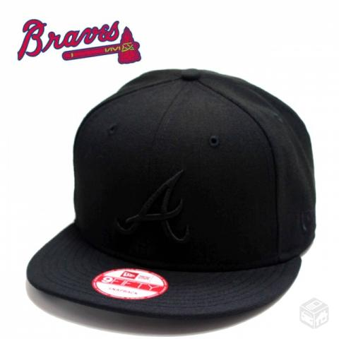 Bone new era atlanta preto - R$
