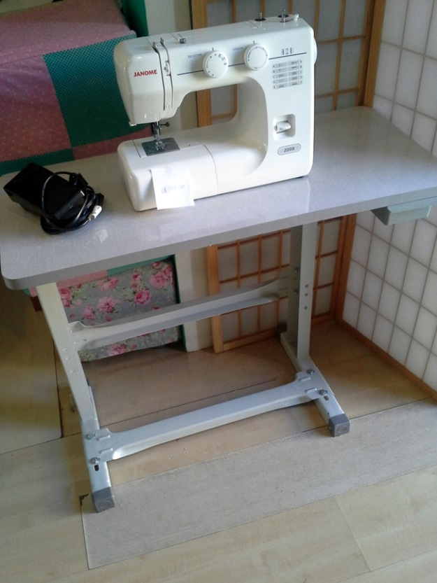 Mesa d pe d maquina vazlon brasil - Mesas para costura ...
