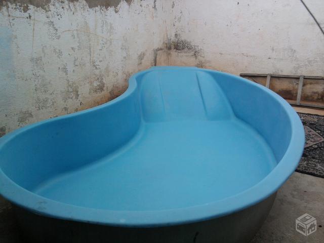 Piscina feijao 3 mil litros em perfeito estado ofertas - Piscinas de fibra usadas ...