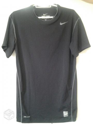 44f72f9d3 Camisa Nike Dri-Fit preta nova com etiqueta tam p - R
