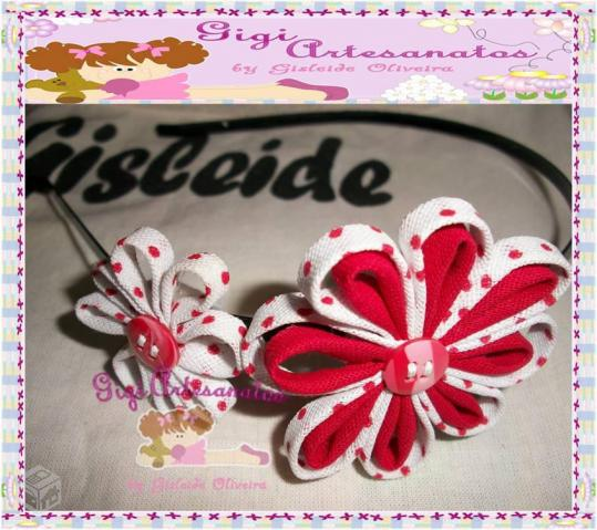 Tiaras de metal decorada - R$7