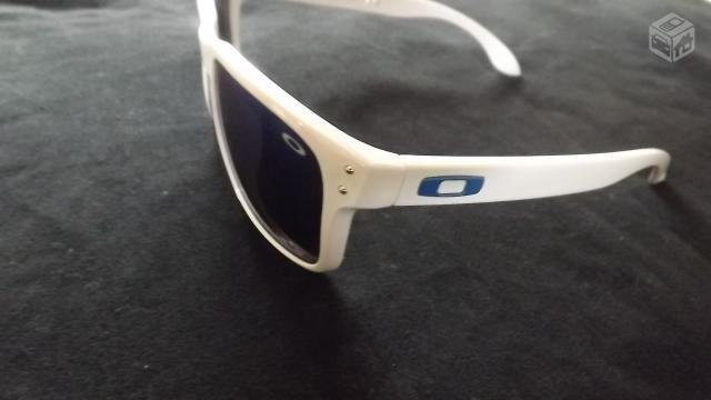 oculos oakley holbrook branco lente azul r   OFERTAS     Vazlon Brasil a66cb929f6