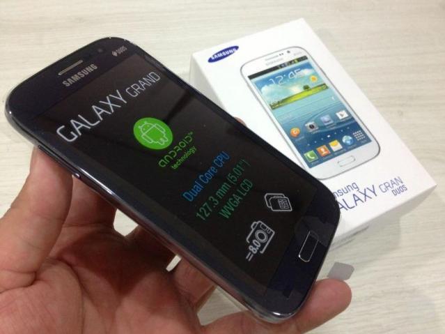 Celular Desbloqueado Samsung Galaxy S4 Gt I9500 Branco Com: Aparelho Samsung Galaxy Gran Duos Branco Zero [ OFERTAS