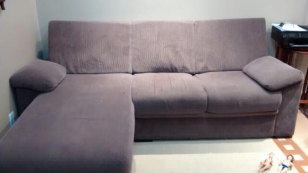 Sofa 3 lugares com chaise caramelo em chenille vazlon brasil for Sofa 03 lugares com chaise
