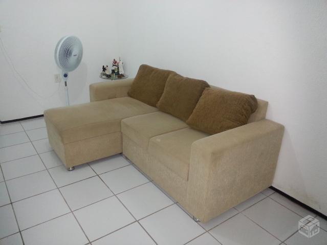 Lindo sofa marrom claro com capa e almofadas em excelente for Sofa 03 lugares com chaise